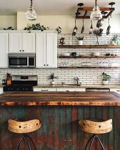 If you are looking for Bohemian Style Kitchen Decor Ideas, You come to the right place. Below are the Bohemian Style Kitchen Decor Ideas. This post ab. Eclectic Kitchen, Boho Kitchen, Home Decor Kitchen, Kitchen Interior, New Kitchen, Home Kitchens, Kitchen Decorations, Kitchen Ideas, Eclectic Decor