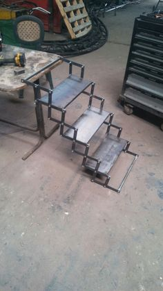 Used Escalera Stair Climber for Sale Metal Working Tools, Metal Tools, Metal Art, Metal Projects, Welding Projects, Welding Ideas, Stair Railing Design, Railings, Steel Stairs