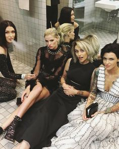 Ruby Rose Bella Hadid, and others smoking in the bathroom at the 2017 Met Gala.
