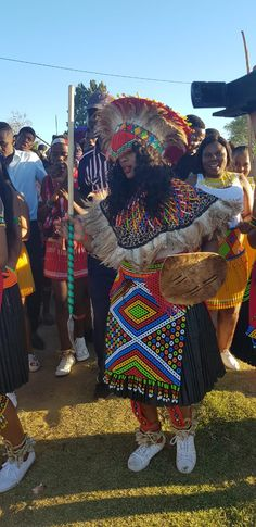 Jabu & Thabani's Gorgeous Zulu Wedding Zulu Traditional Wedding Dresses, Zulu Traditional Attire, South African Traditional Dresses, Traditional Outfits, Zulu Wedding, Wedding Blog, Wedding Tips, Wedding Hijab, Zulu Women