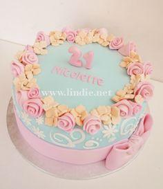 https://flic.kr/p/ytLivP | Nicolette's 21st cake