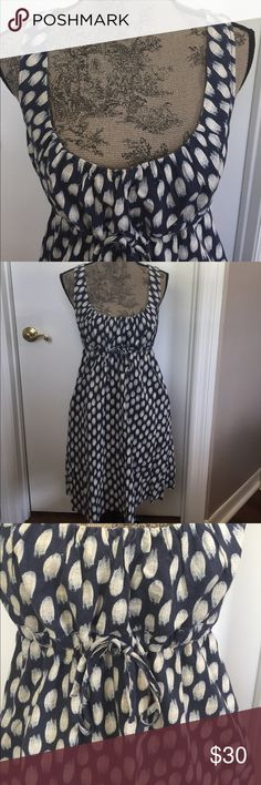 Patagonia Hemp/Cotton Sundress with pockets Patagonia Hemp/Cotton Sundress with pockets. Ties in front. Size 6. Made from 55% Hemp and 45% Cotton. Navy blue & ivory color. Excellent used condition! Patagonia Dresses