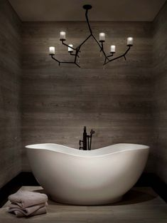 Stylish bathroom decor ideas. Dazzling Design Projects from DelightFULL | http://www.delightfull.eu/usa/. Mid-century modern lighting: ceiling lights, pendant lights, wall lights, wall sconces, chandeliers, suspension lamps. Small bathroom designs, large and luxurious bathrooms, bathrooms for kids, contemporary lighting ideas.