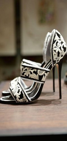 manolo-blahnik #fashion #beautyinthebag #style #omg #shoes #heels