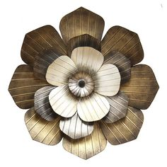 Let your decor come to full bloom with this fantastic Stratton Home Decor multi flower metal wall decor. Starfish Wall Decor, Cute Wall Decor, Family Wall Decor, Unique Wall Decor, Flower Wall Decor, Metal Flower Wall Art, Carved Wood Wall Art, Metal Wall Art Decor, Metal Flowers