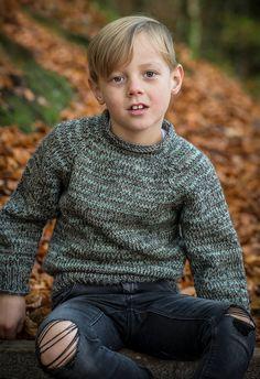 boys kids merino alpaca sweater, photo from mayflower knitting pattern, fuzzy fluffy childs childrens Sweater Outfits, Boy Outfits, Men Sweater, Cute Kids Fashion, Boy Fashion, Fashion Design, Boys Sweaters, Winter Sweaters, Cutaway