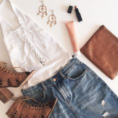 Sunny Summer outfit inspo featuring our La Dolce Vita earrings and @status_anxiety clutch  #fashionbackroom #onlineshopping . . . . . . #style #fashion #onlineshopping #fashionblogger #ootd #expressdelivery #sydneyfashionblogger #melbournefashionblogger #modellife #luxe #outfitgoals