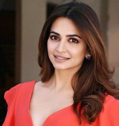 Kriti Kharbanda Latest HD images and wallpapers Beautiful Bollywood Actress, Most Beautiful Indian Actress, Beautiful Actresses, Bollywood Girls, Bollywood Stars, Indian Bollywood, Kirti Kharbanda, Photoshoot Images, Stylish Girl Images
