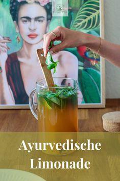 Ayurvedic lemonade – a refreshment in summer – Yogiveda – detox smoothie recipes Detox Cleanse Drink, Smoothie Detox, Detox Tea, Smoothies, Detox Soup, Juice Cleanse, Water Recipes, Detox Recipes, Smoothie Recipes