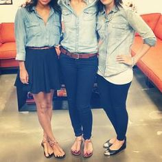 Chambray- worth a try School Uniform Outfits, Office Uniform, Uniform Ideas, Work Outfits, Swag Style, My Style, Work Uniforms, School Uniforms, Restaurant Uniforms