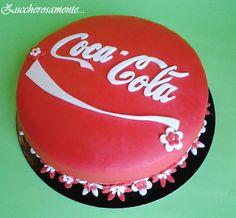 Zuccherosamente...: Torta Coca Cola in pasta di zucchero