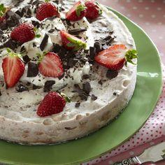 Pavlova, Camembert Cheese, Cheesecake, Deserts, Pudding, Treats, Food, Cakes, Sweet Like Candy