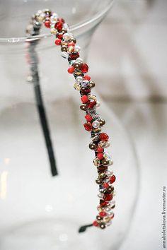 Диадемы, обручи ручной работы. Ярмарка Мастеров - ручная работа Ободок-диадема из стеклянных бусин и жемчуга Цветы. Handmade.