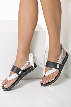 1c498eb4d0f73a Beach Leather Sandals detailed with Bandana Ties