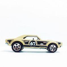 Beauty Camaro for #chevymondays #hotwheels #hwc #chevrolet #camaro #toypics #toycrew