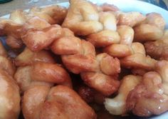 Twists of deep fried dough dipped in chilled lemony-ginger syrup. A popular South African tea time treat called Koeksisters (pronounced cook-sees-ters) Different Types Of Tea, Ginger Syrup, Yummy Treats, Tea Time, Good Food, Yummy Food, South Africa, Sweet Tooth, Spicy