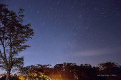 Regalo nocturno de Barra Honda Fotografía nocturna de larga exposición. Próximo al Parque Nacional Barra Honda. Costa Rica. 2014
