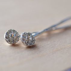 handmade wedding - hair pins (by figment and rather via emmaline bride)