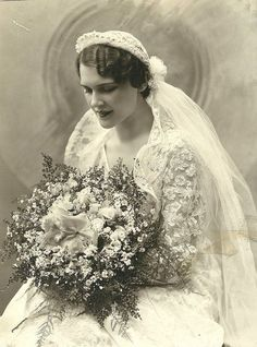 absolutely fabulous! 12 Beautiful Vintage Photos Of Brides From 1850-1920s