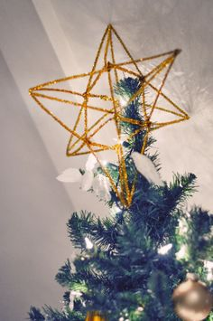 DIY 3d gold christmas tree topper