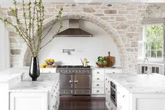 Get inspired by Farmhouse Kitchen Design photo by Jessie D. Wayfair lets you find the designer products in the photo and get ideas from thousands of other Farmhouse Kitchen Design photos. Stone Kitchen, Kitchen Stove, New Kitchen, Country Kitchen, Kitchen Sinks, Layout Design, Küchen Design, Design Ideas, Luxury Kitchens