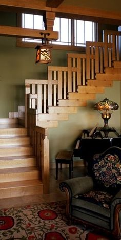 Interior- Arts and Craft interior is well known for earthy tone colors, and dark wood trim and doors It's hard not to like the Craftsman-style house, right? Check out this complete list of craftsman / artisan house, kitchen, bedroom & living room. Craftsman Interior, Craftsman Style Homes, Craftsman Bungalows, Craftsman Staircase, Craftsman Exterior Colors, Craftsman Style Interiors, Craftsman Style Furniture, Mission Style Homes, Craftsman Decor