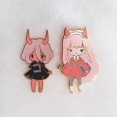 Two cute Zero Two pins~ Little oni Zero Two has glitter in her hair to represent the snow ☆ Hard Enamel ☆ Rose Gold Metal ☆ Glitter details on Oni ☆ and ☆ Pink Rubber clutch backs Glitter Roses, Kawaii Accessories, Anime Merchandise, Zero Two, Cool Pins, Pin And Patches, Lapel Pins, Pin Collection, Art Reference