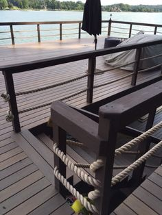 light posts for ground level deck nautical rope Horizontal Deck Railing, Rope Railing, Deck Railing Design, Patio Railing, Deck Design, Lattice Deck, Rope Fence, Ground Level Deck, Cabin Decks