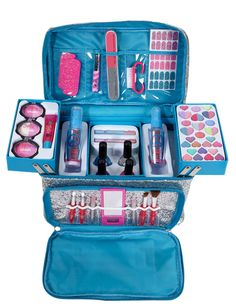 justice makeup - Chunky Glitter Mega Make Up Kit Makeup Kit For Kids, Kids Makeup, Cute Makeup, Gold Makeup, Little Girl Makeup Kit, Girls Makeup Set, Barbie Make-up, Make Up Kits, Kids Make Up Set