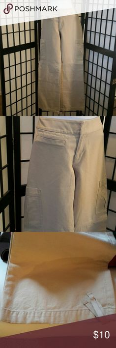 Banana Republic Tan Khaki Drawstring Casual Pants Excellent Condition, Very small stain on right back leg see pic 4, Had professionally cleaned still didn't come out. Barely visible, Big Side Pockets, Front Zipper and Snap Closure, Sorry No trade. Thank you for sharing my closet, I will ALWAYS show you Posh Love by doing the same. Banana Republic Pants Trousers