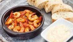 Knoflook garnalen - Gambas al ajillo New Years Eve Snacks, Tapas Menu, Tapas Food, Cooking Recipes, Healthy Recipes, Foods To Eat, Savoury Dishes, Fish And Seafood, I Love Food