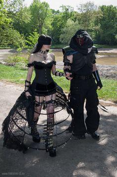 Hot Goth Girls, Gothic Girls, Fancy Costumes, Halloween Costumes, Steampunk Fairy, Goth Subculture, Black Fairy, Gothic Chic, Diesel