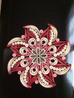 Quilling by cynthia Neli Quilling, Quilling Images, Paper Quilling Flowers, Paper Quilling Jewelry, Quilled Paper Art, Paper Quilling Designs, Quilling Paper Craft, Quilling Patterns, Paper Beads