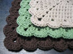 three pack of dish cloths
