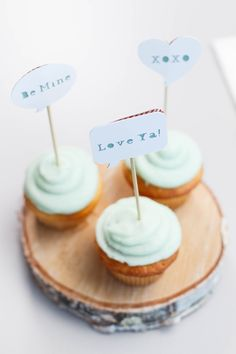 Word Bubble Cupcake Toppers. Make It Now in Cricut Design Space with the Cricut Explore machine.