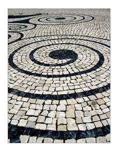 Lisbon sidewalk, Portugal - photo from AlwaysOnVacation .photographer not listed. Pebble Mosaic, Mosaic Art, Mosaic Tiles, Landscape Architecture, Landscape Design, Rock Pathway, Paving Pattern, Paver Designs, Paving Ideas