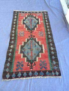 Turkish kilim Rug Vintage kilim Rug Anatolian kilim Rug hand made Kilim Rug 5ft-2.8ft by Ayasofyahandicraft on Etsy https://www.etsy.com/listing/468016477/turkish-kilim-rug-vintage-kilim-rug