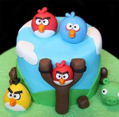 http://www.sugarbabies-cakes.com/065c_Angry_Bird_Cake_Detail.jpg