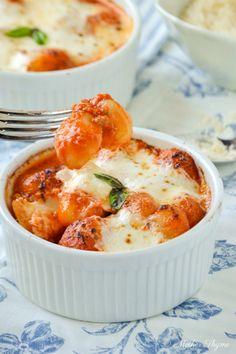 Gnocchi alla Sorrentina (Prep 20, Cook 30) Pkg Gnocchi, EVOO, sm onion, tomato puree, basil, mozzarella, Parmigiano Reggiano, S&P.