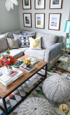 Change the look of your living room with accessories. Start with throw pillows. HomeGoods has a great selection at wonderful prices. *sponsored pin*