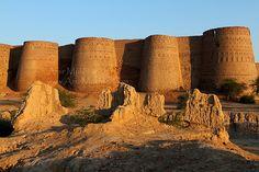 Ruin. Derawar Fort, Bahawalpur, Pakistan.