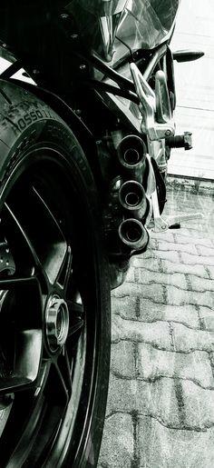 MV Agusta #trepistoni