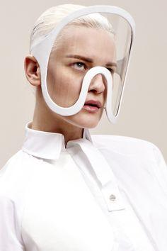 - FUTURISTA - STYLE WE DO #1 - Conquête de l'espace. Voie lactée. Mission en navette spatiale. Futuriste fashion inspiration ©Isabell Yalda Hellysaz http://www.hellysaz.com/product/antidote-visors/