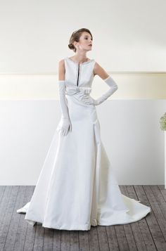 CieloBlu wedding dresses are full of harmony. The CieloBlu bridal collection is designed by two Italian wedding dresses designers. Italian Wedding Dresses, Designer Wedding Dresses, Bridal Gowns, Wedding Gowns, Bridal Collection, How To Look Better, Dressing, Bride, Formal Dresses