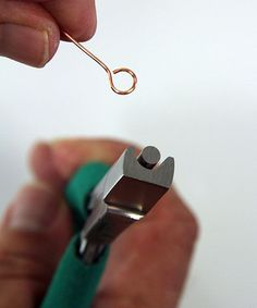 Another tool for my wish list… Wubbers Large Looping tool. And no, it is not t… Another tool for my wish list… Wubbers Large Looping tool. And no, it is not t… - Jewelry Making ideas Wire Wrapped Jewelry, Beaded Jewelry, Handmade Jewelry, Silver Jewelry, Amber Jewelry, Personalized Jewelry, Diy Schmuck, Schmuck Design, Bijoux Fil Aluminium