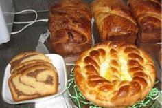 Cozonac moldovenesc - Culinar.ro Pastry And Bakery, Easter Recipes, Sweet Bread, Muffin, Breakfast, Breads, Food, Morning Coffee, Bread Rolls