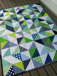 PDF Pattern for Geometric Modern Cot Crib Patchwork Quilt in triangles. Sew your own handmade quilt. PDF Pattern for Geometric Modern Cot Crib Patchwork Quilt. Love the colour combo Geometric Navy and Lime Handmade Modern Cot Crib Patchwork Quilt with whi Quilt Baby, Cot Quilt, Quilt Top, Quilting Projects, Quilting Designs, Quilting Ideas, Sewing Projects, Quilt Modernen, Patchwork Quilting