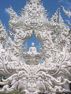 budda sculpture at the white temple in Thailand!