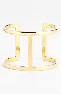 An amazing go-to gold cuff