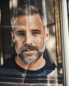 Grey Beards, Hommes Sexy, What Do You See, Mature Men, Older Men, Big Men, Grey Hair, Hairy Men, Male Face